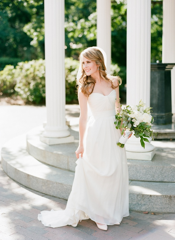 Simple wedding dress for Simple southern wedding dresses
